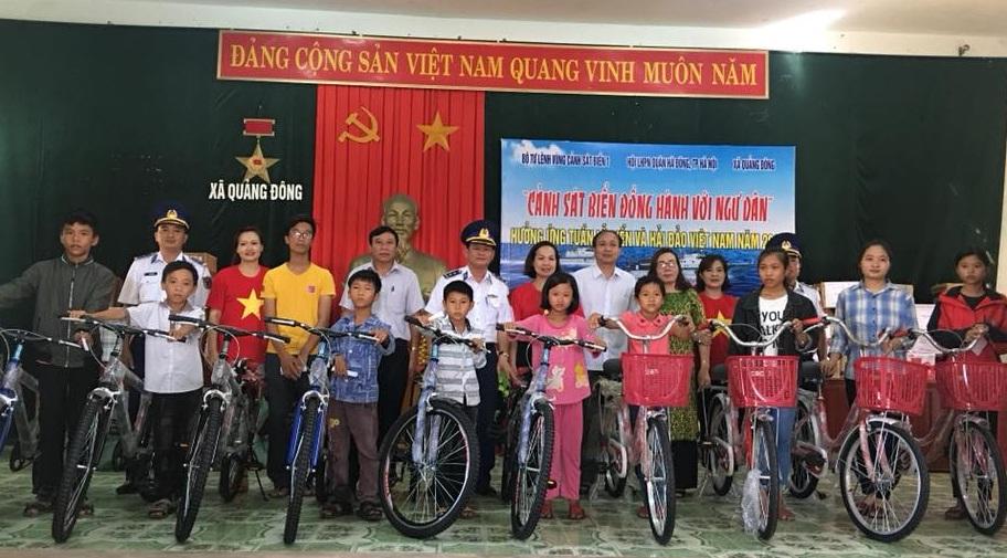 Đồng hành với ngư dân xã Quảng Đông, huyện Quảng Trạch, tỉnh Quảng Bình