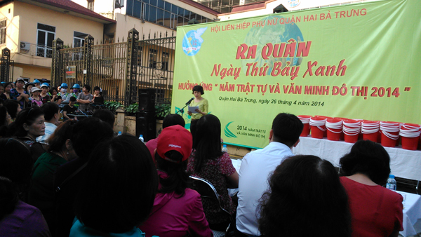 Hội Liên hiệp phụ nữ quận Hai Bà Trưng  ra quân  Ngày thứ 7 xanh   hưởng ứng Năm trật tự và văn minh đô thị 2014