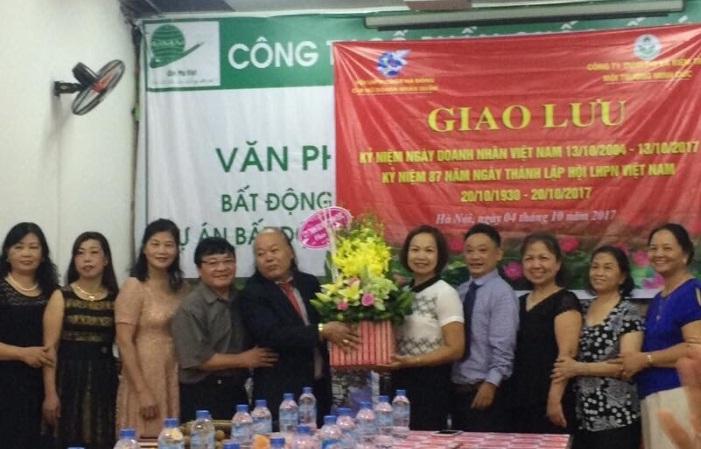 CLB Nữ doanh nhân quận Hà Đông giao lưu kỷ niệm ngày Doanh nhân Việt Nam 13/10/2004-13/10/2017
