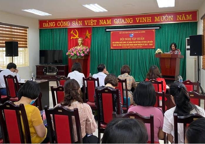 Hội LHPN quận Hà Đông tổ chức tập huấn bồi dưỡng kỹ năng cho nữ ứng cử viên lần đầu tham gia ứng cử Đại biểu HDND quận Hà Đông
