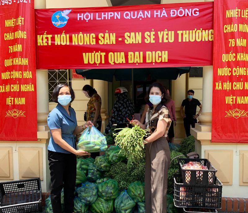 Hà Đông: Hội Phụ nữ chia sẻ yêu thương - kết nối tiêu thụ nông sản giúp nông dân ngoại thành