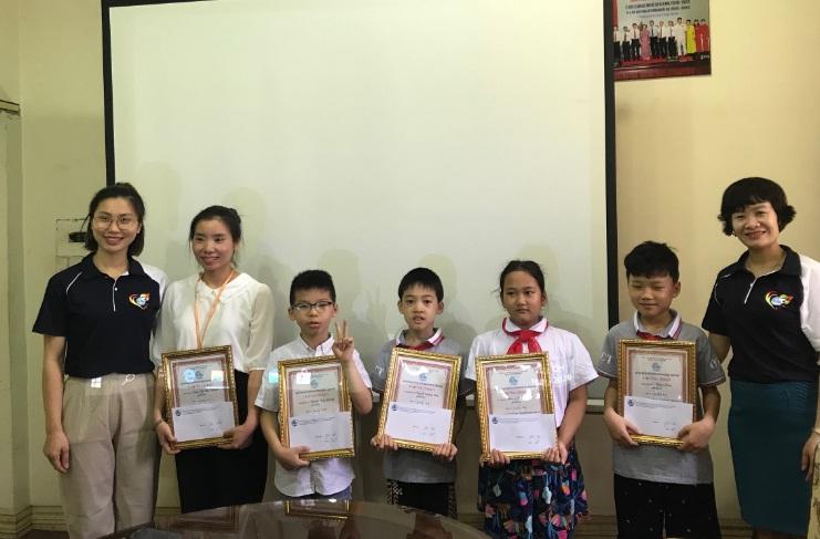Hội LHPN Phường Nguyễn Trãi  trao giải cuộc thi làm Clip với chủ đề Together we win Covid-19