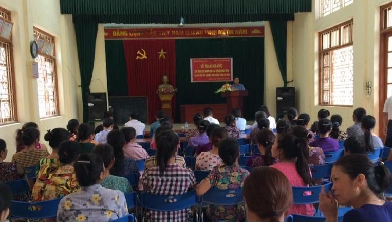 Hội LHPN phường Phú Lương tổ chức khai giảng 02 lớp học kỹ thuật trồng rau an toàn và kỹ thuật trồng hoa