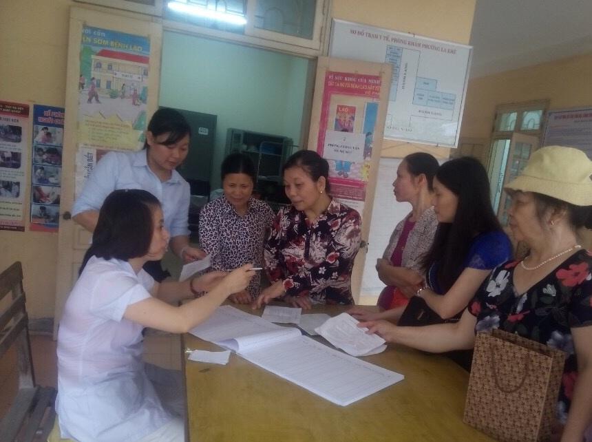 Tổ chức khám tầm soát ung thư vú, ung thư cổ tử cung cho hội viên, phụ nữ phường La Khê