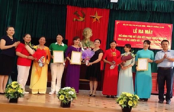 Ra mắt mô hình Phụ nữ liên kết phát triển kinh tế; CLB dưỡng sinh; CLB Khiêu vũ tại phường La Khê