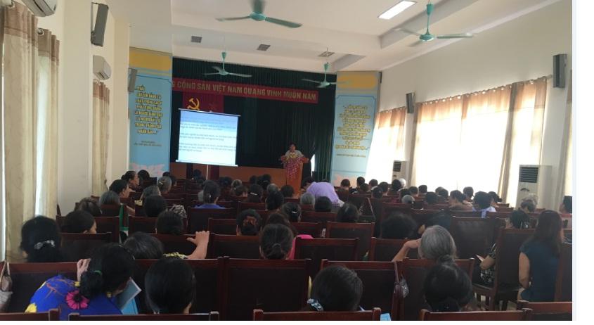 Hội LHPN phường Phú La truyền thông sức khỏe sinh sản,  kế hoạch hóa gia đình và tác hại của ma túy cho cán bộ hội viên