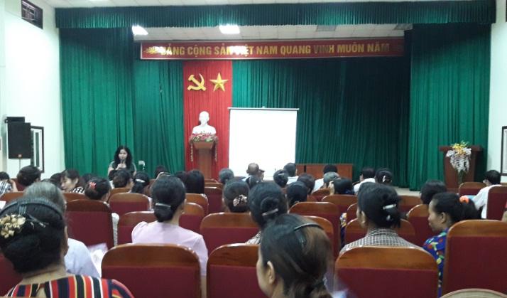 Hội LHPN phường Phú Lương phối hợp với UBND phường tổ chức lớp tập huấn về công tác bình đẳng giới năm 2017