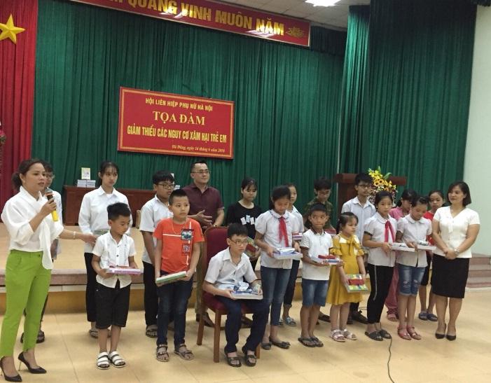 Hội LHPN phường Phú Lương tổ chức hội nghị tọa đàm  Giảm thiểu các nguy cơ xâm hại trẻ em