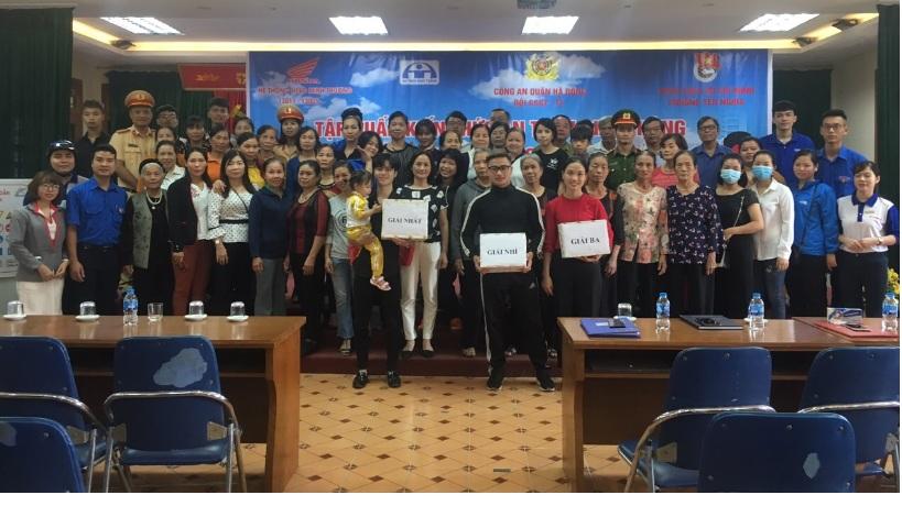 Tập huấn lái xe an toàn và các hoạt động tuyên truyền về an toàn giao thông năm 2020 cho con em hội viên, phụ nữ phường Yên Nghĩa
